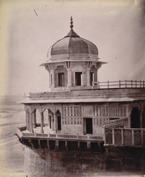 General view of the Mussaman Burj, Agra